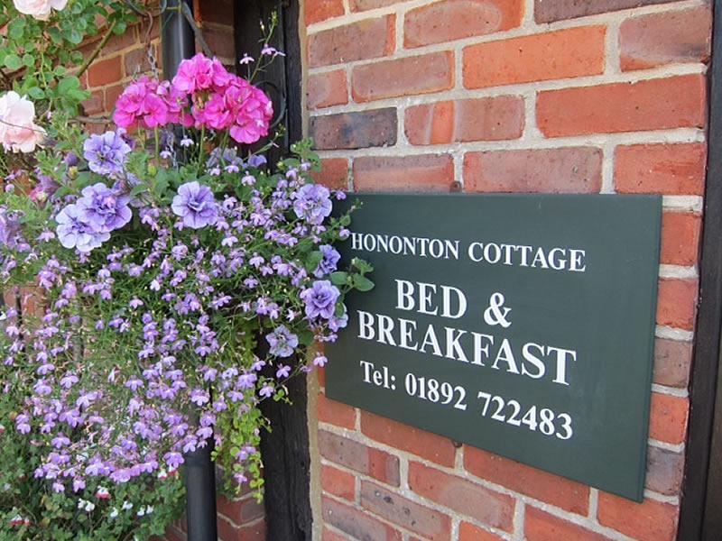 Sign Hononton Cottage B&B near Tunbridge Wells